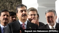 "Pakistani Prime Minister Yousaf Raza Gilani and others have downplayed the significance of ""Cablegate."""
