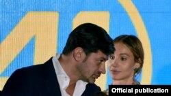 Кака Каладѕе, новиот градоначалник на Тбилиси со сопругата