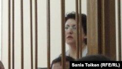 Наталья Соколова, юрист профсоюза нефтяников компании «Каражанбасмунай», на скамье подсудимых. Актау, 28 июля 2011 года.
