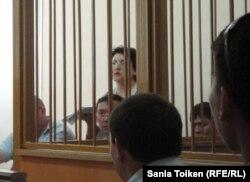 Бывший профсоюзный юрист Наталья Соколова на скамье подсудимых. Актау, 28 июля 2011 года.