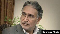Iranian author and journalist Mohammad Nourizad