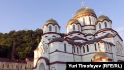По словам отца Давида (Сарсания), Новоафонский монастырь для паствы является действительно будущим Абхазской церкви, и эти люди будут защищать монастырь, если это понадобится