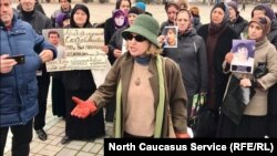 Пикет сочувствующих Гасангусейновым в Дагестане
