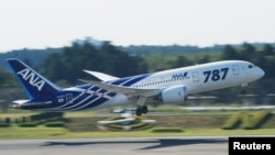 Aeroplan Boeing 787 Dreamliner i Nippon Airways-it, foto nga arkivi