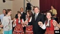 Архивска фотографија: Претседателот Ѓорге Иванов на средба со граѓаните.