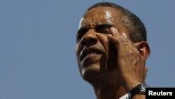 Президент Обама Айова университетиндеги жолугушуу алдында. 28-август, 2012