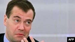 Президент Дмитрий Медведев решил не ужесточать проведение митингов