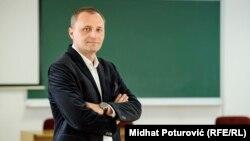 Proglašenje nezavisnosti ne može proizvesti nikakve pravne posljedice: Elmir Sadiković