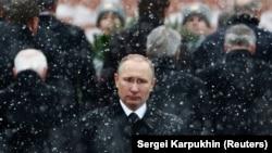 Президент Владимир Путин в День защитника Отечества
