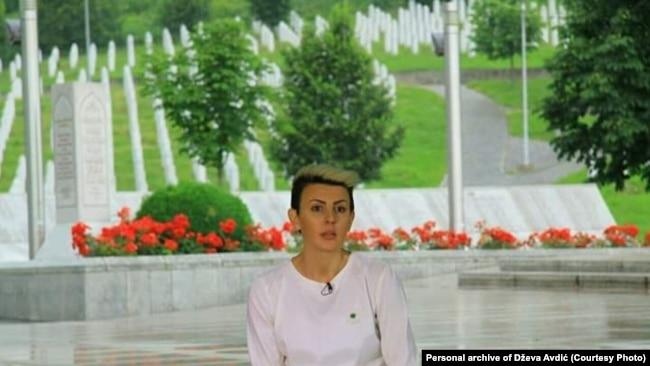 Dževa Avdić je imala nepunih devet godina kada je s majkom i bratom izbjegla iz Srebrenice, 12. jula 1995. godine.