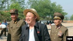 Ким Чен Ын инспектирует санаторий для ученых. Дата съемки неизвестна