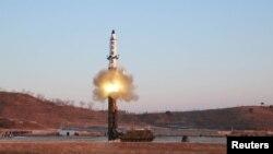 Так виглядає ракета «Пуккиксон-2», запущена в неділю у Японське море