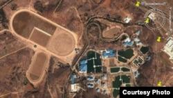 Дворец Ким Чен Ына с ипподромом близ Пхеньяна