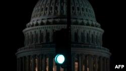 Вид на Капитолий, где заседает Конгресс