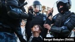 Дії поліції в Москві під час акції протесту 27 липня