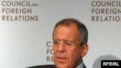 وزیر امور خارجه روسیه پیشتر گفته بود که اهداف روسيه و آمريکا در حل مسئله هستهای ايران و کره شمالی تغيير نکرده است.