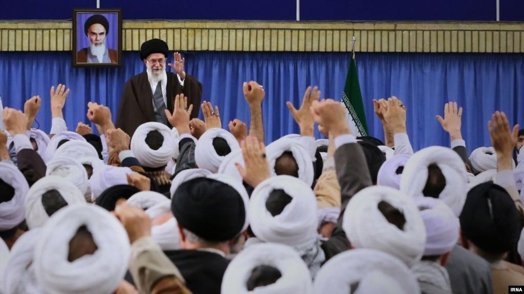 آخوندهای درباری مواجب بگیر: مقدس یا نابود کننده اسلام؟
