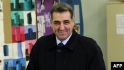 В 2009 году Надан Видошевич был одним из кандидатов в президенты Хорватии