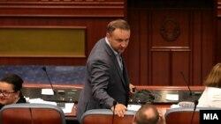 Александар Кирацовски во Собрание