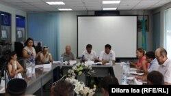 Пресс-конференция сотрудников Сарыагашской районной больницы Южно-Казахстанской области. Шымкент, 12 августа 2016 года.