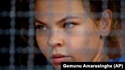 Настя Рыбка (Анастасия Вашукевич) после задержания в Таиланде.
