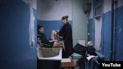 """Кадр із фільму """"Плем'я"""" Слабошпицького"""