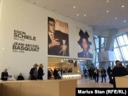 Expoziția dedicată lui Egon Schiele și Jean-Michel Basquiat
