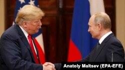 Birleşen Ştatlaryň prezidenti Donald Tramp we Russiýanyň prezidenti Wladimir Putin