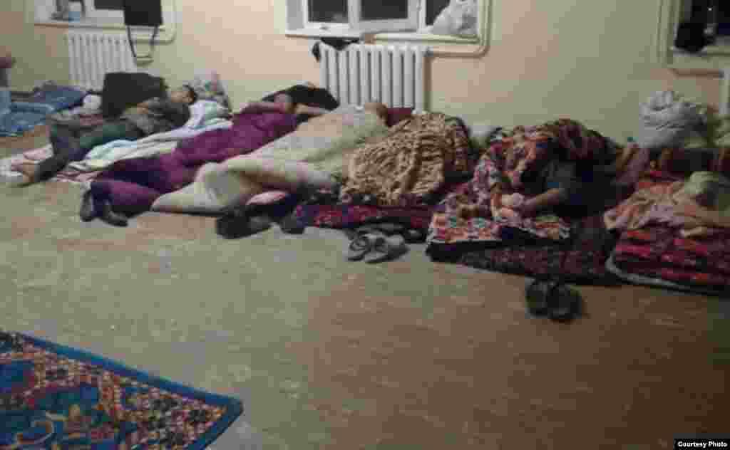 Помещение, где спят студенты во время сбора хлопка