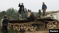 Luftëtarët kryengritës në Siri shprehen të gëzuar pas një fitoreje në betejë me trupat qeveritare në Alepo më 16 dhjetor