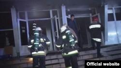 Пожежники біля нічного клубу у Львові, де сталася пожежа, 27 листопада 2016 року