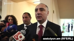 Armenia - Sasun Khachatrian, chief of the Special Investigative Service, talks to journalists, Yerevan, 13Oct2018