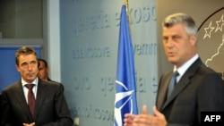 Hashim Thaçi gjatë një takimi të mëparshëm në Prishtinë me sekretarin e përgjithshëm të NATO-s Anders Fogh Rasmussen