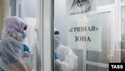 Год пандемии коронавируса в Крыму. От первого случая до сегодня (фотогалерея)