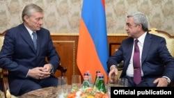 N.Bordyuzha və S.Sarkisain