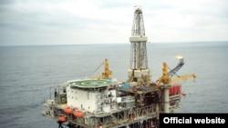 Азэрбайджанская нафтавая плятформа Шырак у Касьпійскім моры