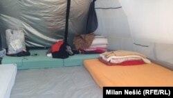 Unutrašnjost jednosobnog šatora porodice Ivanović