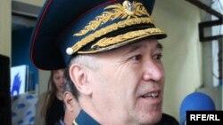 Руководитель алматинского филиала ОСДП Амирбек Тогусов, генерал-майор в отставке.