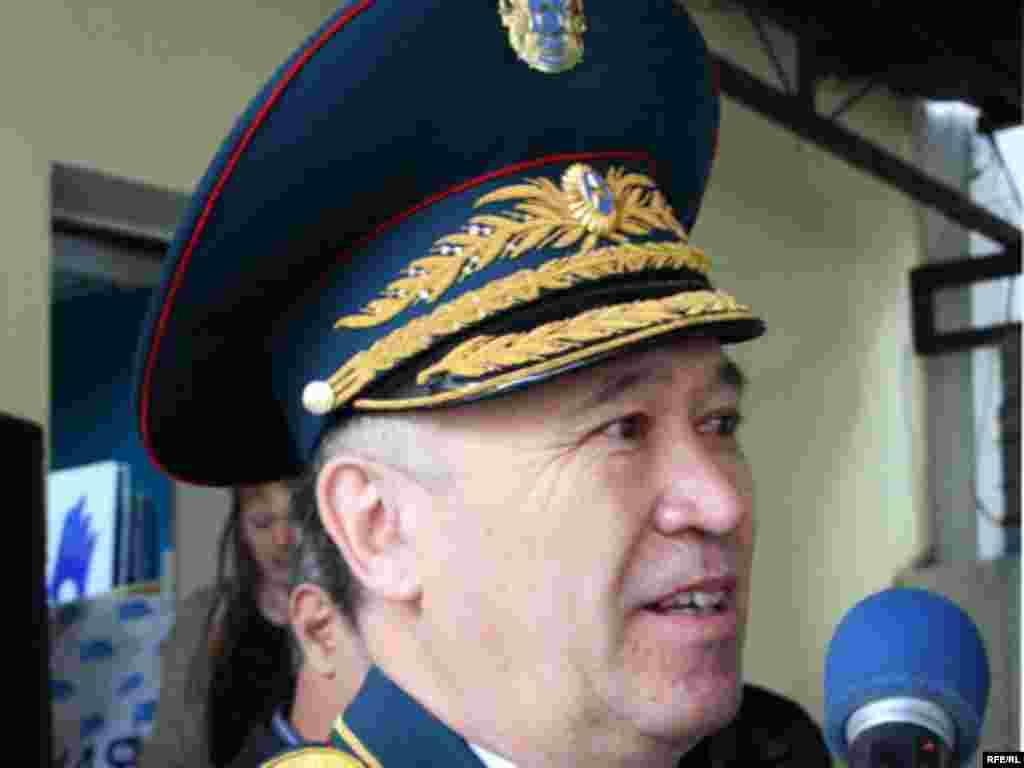 Генерал-майор Амирбек Тогусов, бывший заместитель министра обороны.