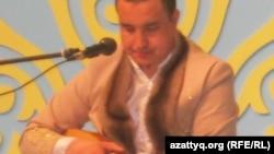 Айтыс ақыны Нұрмат Мансұров. Алматы, 2 мамыр 2011 ж.