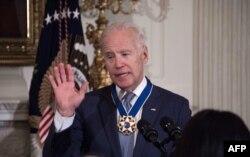 Джозеф Байден після нагородження медаллю Свободи, 12 січня 2017 року