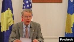 Ambasadori amerikan në Prishtinë, Greg Delawie.