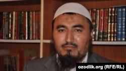 Последние пять месяцев имам Рашодхон Камолов содержится под стражей в городе Ош.
