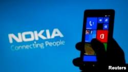 Смартфон Nokia Lumiа. Иллюстративное фото.
