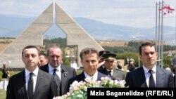 """Эксперты лтмечают, что кандидат от """"Грузинской мечты"""" Георгий Маргвелашвили часто появляется на различных мероприятиях, финансируемых из бюджета, и таким образом получает преимущественные возможности для предвыборной агитации"""