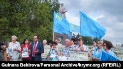 Акция солидарности с крымскими политзаключенными в Мелитополе. Архивное фото