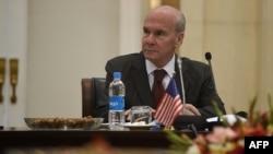 په کابل کې د امریکا سفیر مایکل مککنلي