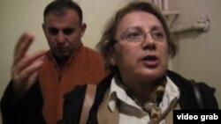 Директор «Института мира и демократии», правозащитница Лейла Юнус во время задержания 28 апреля 2014