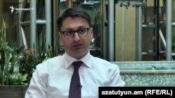 ԲԴԽ անդամ Հայկ Հովհաննիսյանը հարցազրույց է տալիս «Ազատությանը», արխիվ