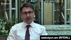 Член ВСС Айк Ованнисян беседует с Радио Азатутюн